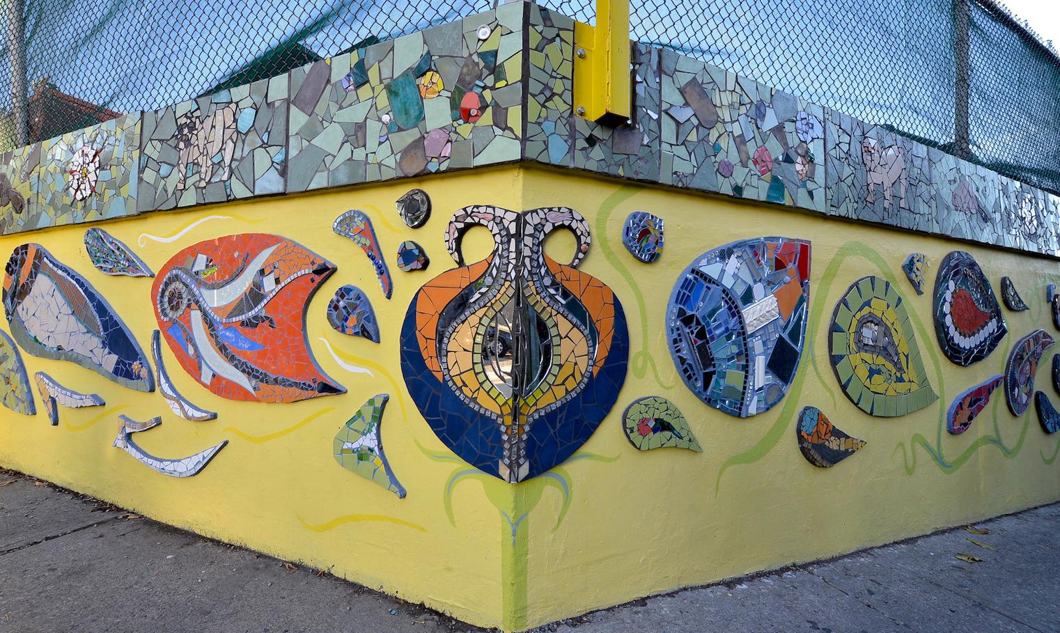 coxwell-laneway-mosaic-mural_corner